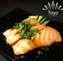 Sashimi de Salmão com Tarê e Cebolinha