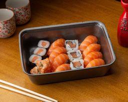 Sushi de Salmão - 16 Unidades