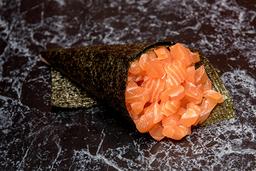Temaki salmão (corte em cubos)