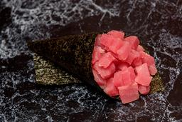 Temaki atum (corte em cubos)