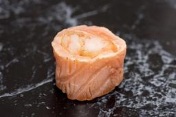 Enrolado de salmão com camarão