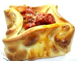 Empanada de Presunto, Queijo e Tomate Seco