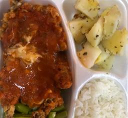 Parmegiana de frango - legumes - divisórias G