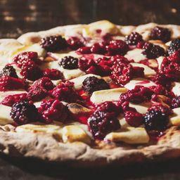 Pizza Dolce de Lindt & Frutas Vermelhas