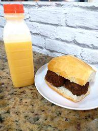 Bolo de carne + Suco de laranja