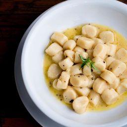 Gnocchi com Manteiga Trufada