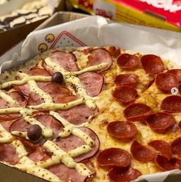 02 Pizzas Grande + Refrigerante de 2L