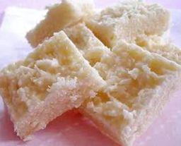 Cocada de coco com leite condensado