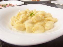 Nhoque 4 queijos
