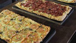 Pizza retangular 30x13 2 sabores
