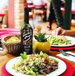 Monte Sua Salada com Filet Mignon