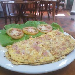 Omelete com presunto e queijo