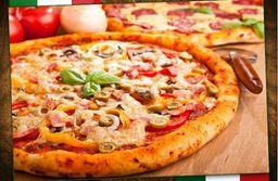 2 pizzas médias ( 30cm - 6 fatias) + Refri 1,5 lts