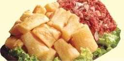 Porção carne seca e mandioca