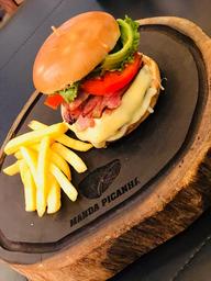 Hambúrguer de Picanha com Fritas