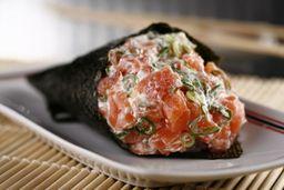 Temaki  filadélfia - temaki de salmão com cream cheese e cebolin