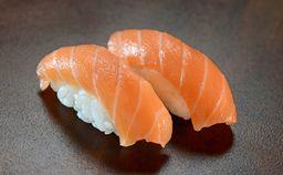 Nigiri salmão