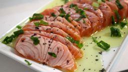 Sashimi salmão maçaricado