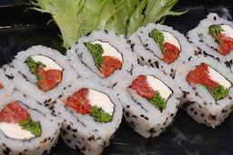 Uramaki Tomato Roll