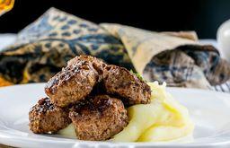 Bifinho de Carne Moída com Purê de Batata