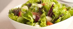 Salada de alface, tomate e cebola