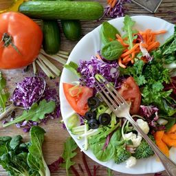 Monte Sua Salada com Bife Ancho