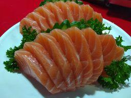 Sashimi de Salmão - 16 Fatias