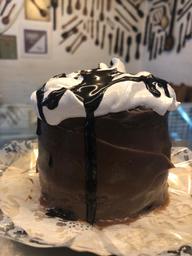 Mini Torta de Chocolate com Merengue - 2 Fatias grandes