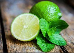 Caldo de limão ou limão cortado