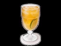 Chá Verde Gelado com Abacaxi e Limão Cravo