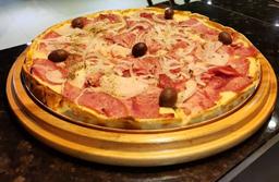 Pizza Grande Calabresa c/ Mussarela + Coca Cola 1,5L