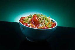 Salada de Salmão Grelhado + Limonada do Dia