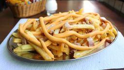 Batata Frita com Cheedar e Bacon