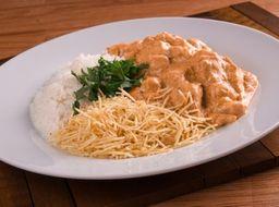 4056 - Strogonoff de filé arroz e batata palha