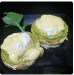Eggs Benedict com Avocado