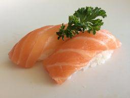 910 - Nigiri Sushi Salmão