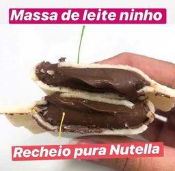 Pastelzinho de Ninho com Nutella