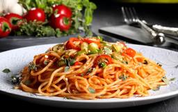 Espaguete com Filé de Frango ao Molho Marguerita