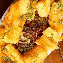 Porção de Mandioca com Carne Seca
