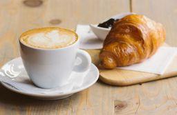 Croissant + Café com Leite