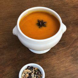 Sopa de Cenoura com Anis Estrelado