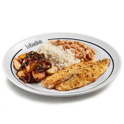 Tilápia na crosta, batata lionese, arroz branco e cassoulet