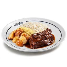 Costela De Le Porc, arroz branco, batata rústica e farofa panko