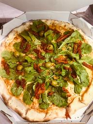 Pizza Grande de Rúcula com Tomate Seco