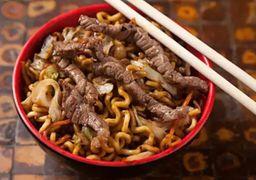Yakisoba de Carne