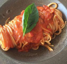 Spaghetti con Pomodoro i Basilico