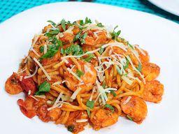 Espaguete Italiano de Camarão Molho