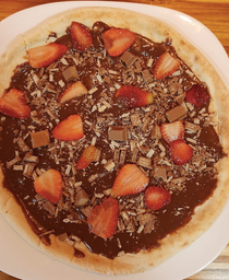 Pizza de Morango com Chocolate Preto