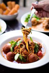 Espaguete de Abobrinha ao Sugo