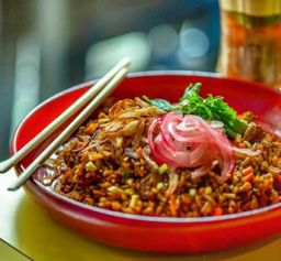 Côm Chien - Porco e Leite de coco
